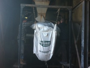 agromart-loading-bags