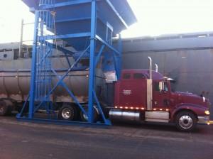 agromart-unloading-fertilizer-boat